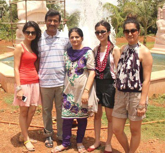 Rubina dilaik family