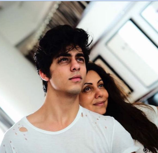 aryan khan and is mother